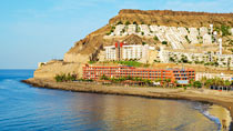 Riviera Marina – perhehotelli hyvillä lapsialennuksilla.