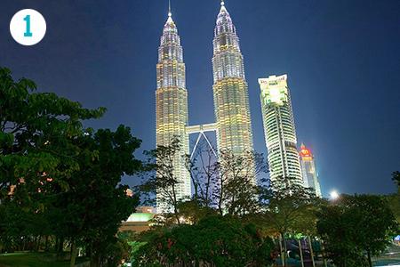 Petronas Twin Towers – Kuala Lumpur, Malesia
