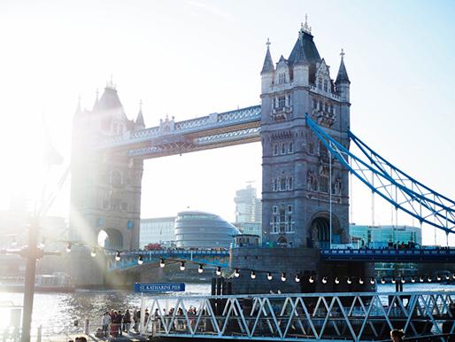 Lontoo, Tower Bridge